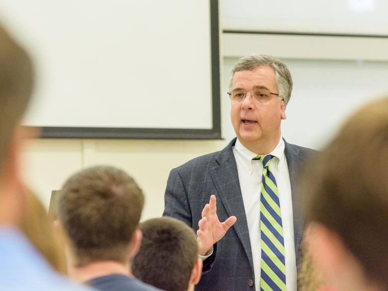 Dr. Bob Farrell addressing students during a previous NSO Advising session