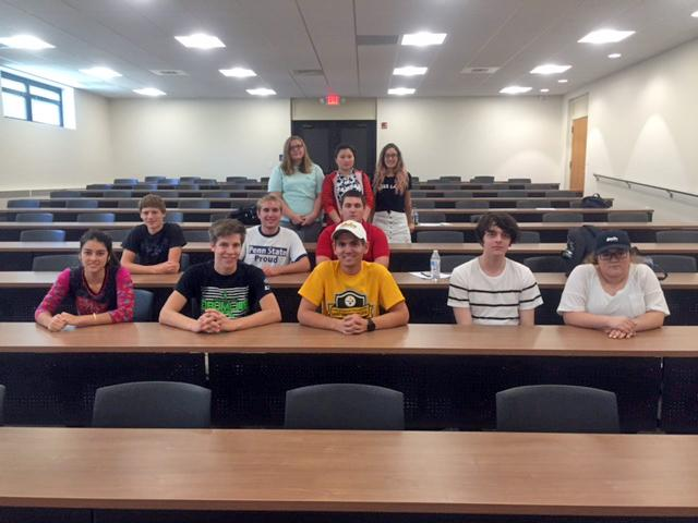 Group of Honors Students in 2016
